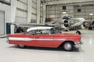 1957_Pontiac_Chieftain_photo
