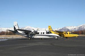Aero_Commander_690B_airplane_picture