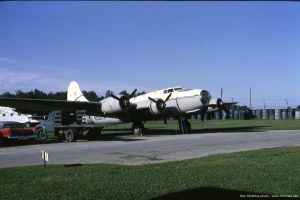 Boeing_B-17G_N5017N_Stoltzfus_Coatesville_PA