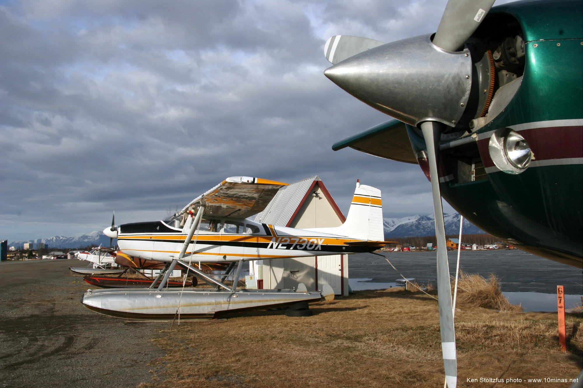 Cessna_180_airplane_picture_Alaska