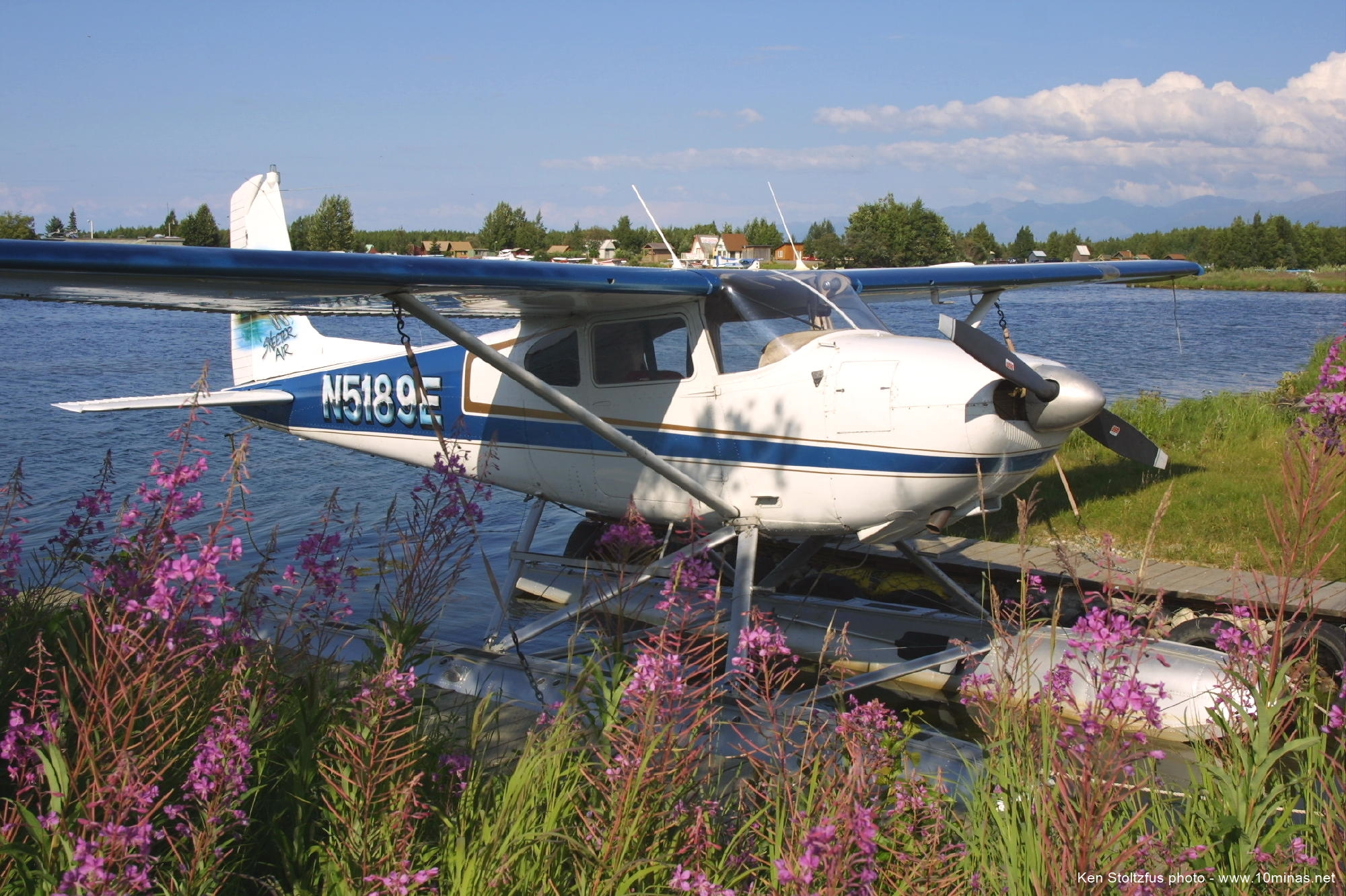 Cessna_180_floatplane_photo_Alaska
