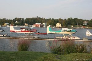 Cessna_180_Moosehead_Lake_Maine_photo