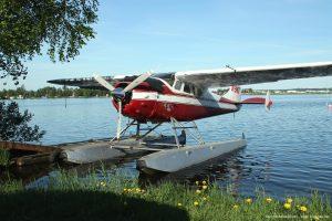 Cessna_195_seaplane_airplane_picture
