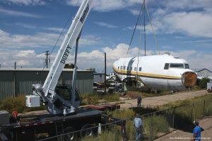 Douglas_DC-3_airplane_picture