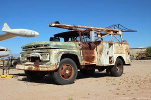 Vintage_GMC_3500_boom_truck_photo
