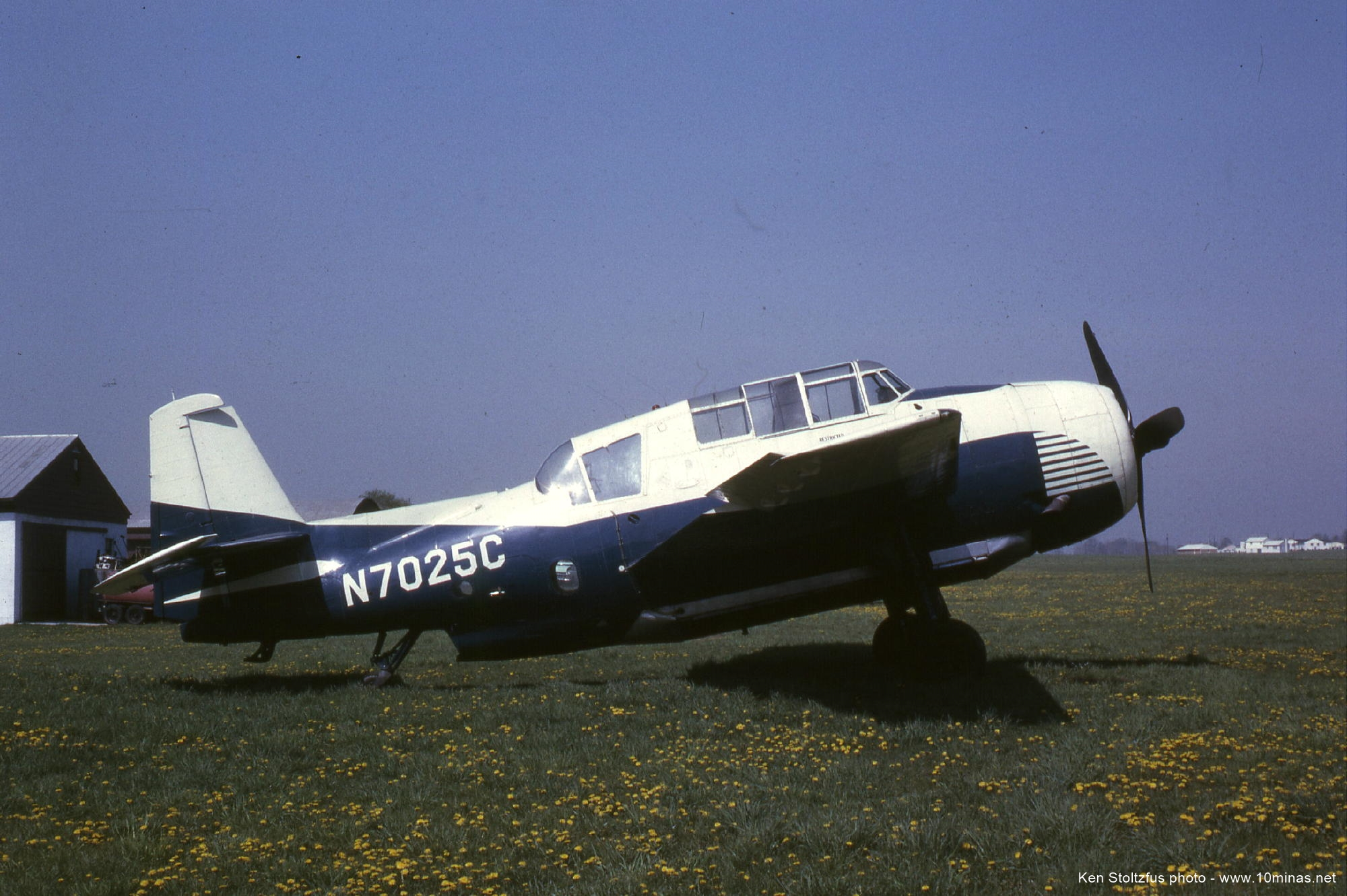 Grumman_TBM_Avenger_airplane_photo