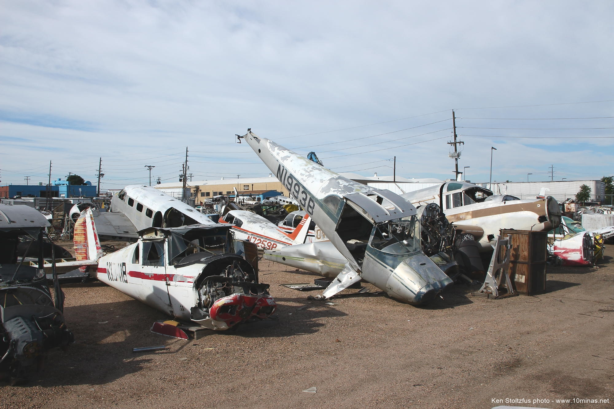 Luscombe_in_aircraft_boneyard