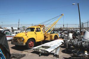 Vintage_Studebaker_tow_truck_photo